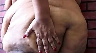 TS Chubby huge pussy anal