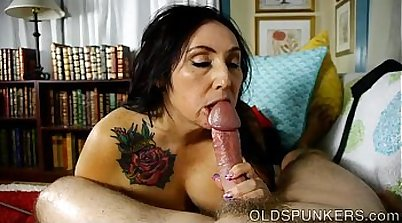 Petite BBW Stepsister on Cumshot