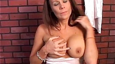 Busty milf picks up some pay pussy