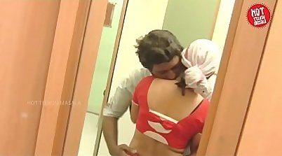 Indian Housewife Gets Some