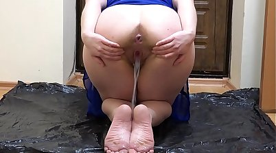 Brooke has a hot foot fetish and hairy pussy