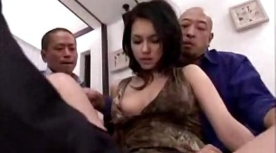 Pickedup MILF gets asshole fingered and pussy licked