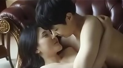 Best looking mature young Korean gets fucked in tub
