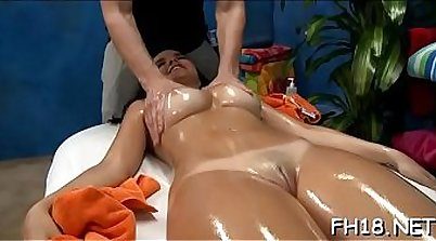 Crossplaying cockfeed to a facial after massage